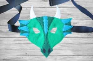 Every kidlet needs animal masks for playtime dress up fun... woodland (fox and fawn) or fantasy (dragon and unicorn) adventures await!This is a super easy animal masks tutorial - you can sew them, or even just glue them together!