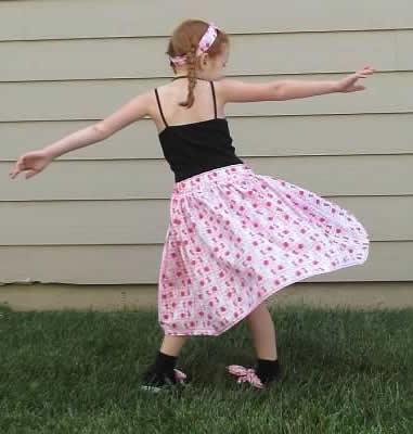Easy Peasy Skirt by Glenda Morrow