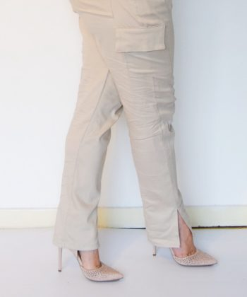 Pockets are important. We need pockets for all the things and this ladies cargo pants sewing pattern is all about the pockets!