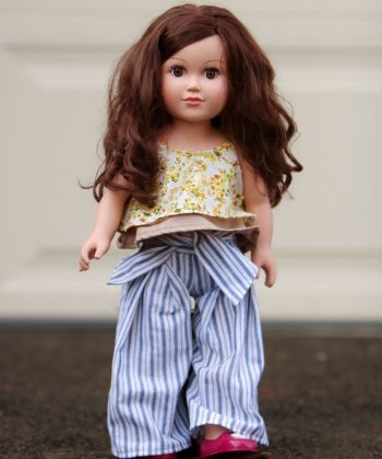 This 18-inch dolls pleated pants sewing pattern is cuteness overload. The wide-legged trousers are a beautiful gift for your doll's wardrobe.