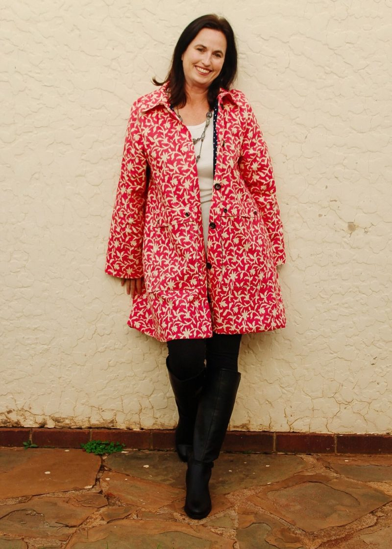 This ladies anorak sewing pattern has me singing in the rain… and everywhere else! The Andie Anorak is so much more than just a rain coat!